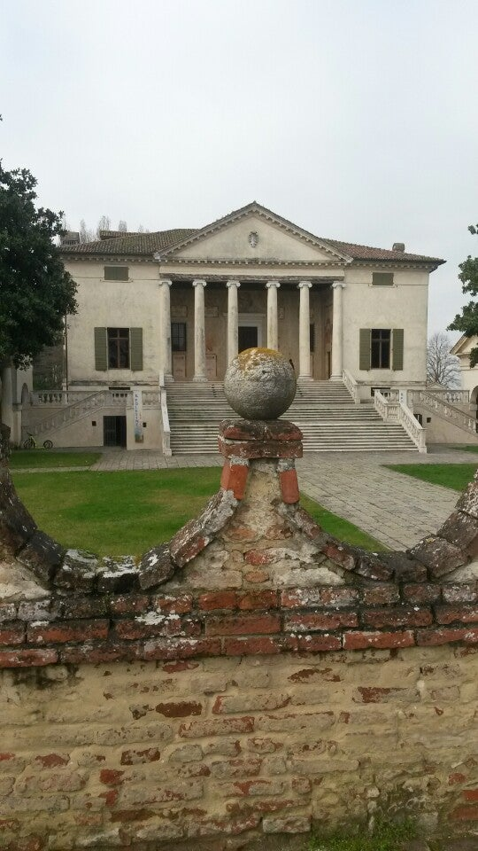 Natascia just checked in @ Villa Badoer (Fratta Polesine, Italia)