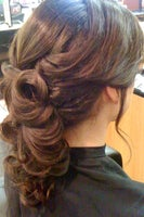 EClips on 6 Hair Studio