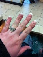T Nails & Spa