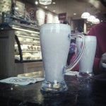 Photo taken at The Coffee Bean & Tea Leaf by Chloe on 10/20/2012