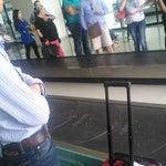 Volaris más de 30 min esperando a que nos entreguen nuestro equipaje....