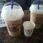 Photo taken at The Coffee Bean & Tea Leaf by Harboeth on 3/19/2014