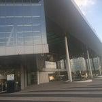 Отличный новый терминал! Хорошо оборудован для людей с ограниченными возможностями. + замечательные кафе)
