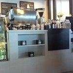 At last ada kedai kopi makcik gloria jean walaupun xda setabak atau kedai kacang kopi...
