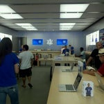 Photo taken at Apple Store, Los Gatos by Richard D. on 9/18/2011
