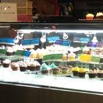 Photo taken at Goodovening Cupcake by Eujena on 8/14/2012