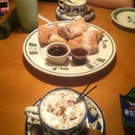 Photo taken at Olive Garden by Dia G. on 2/21/2012