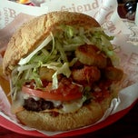 Photo taken at Red Robin Gourmet Burgers by Nichole L. on 4/14/2012
