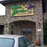 Photo taken at Olive Garden by K C. on 12/7/2011