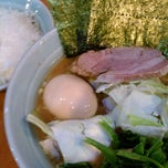 Photo taken at 横浜ラーメン武蔵家 幡ヶ谷店 by daisuke n. on 11/21/2011