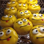 Photo taken at Dunkin' Donuts by Karina K. on 6/9/2012