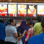 Photo taken at KFC by Shazwan A. on 5/24/2012