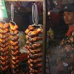 Photo taken at Pasar Malam Sinsuran (Night Market) by Peter D. on 9/13/2013