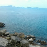 Photo taken at จุดชมวิว Lad Koh Viewpoint Samui Island by Book T. on 3/13/2013