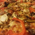 Photo taken at Frank's Pizza by Jen Y. on 8/12/2014