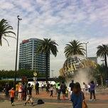 Photo taken at Hilton Los Angeles/Universal City by Alejandro P. on 4/4/2013