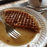 Photo taken at Waffle House by Dana I. on 7/15/2013