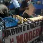 Photo taken at Jagung Bakar Serut Modern by agus s. on 11/2/2012