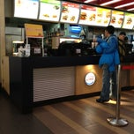 Photo taken at Burger King 汉堡王 by Dong L. on 2/13/2013