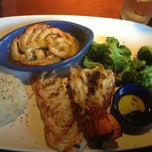 Photo taken at Red Lobster by Raoul . on 11/12/2012