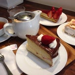 Photo taken at Caffe Vita by Chihiro F. on 4/18/2015