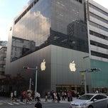 Photo taken at Apple Store, 銀座 by akakeno on 10/22/2012