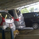 Photo taken at Arema Car Wash by Susan Inoe on 6/27/2013