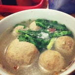 Photo taken at Bakso Jawir by Darmawan Z. on 5/12/2013