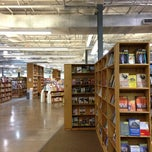 Photo taken at Half Price Books by 🇬🇧Alphonso G. on 1/10/2013