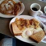 Photo taken at Mountain View Diner by David R. on 2/13/2013