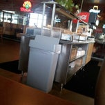 Photo taken at Otto's Barbeque And Burgers by Jamar R. on 2/18/2013