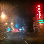 Photo taken at Geary Parkway Motel by Hassan E. on 2/14/2014