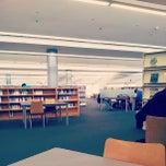 Foto tomada en Biblioteca Rector Gabriel Ferraté por Ignasi M. el 5/27/2013