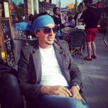 Photo taken at Café Vanillj by Hilel H. on 5/18/2013