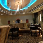 Photo taken at Mövenpick Hotel & Residence Hajar Tower Makkah | فندق وأبراج هاجر موڤنبيك by Raed A. on 5/24/2013