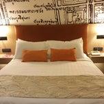 Photo taken at Grand Mercure Bangkok Fortune (โรงแรมแกรนด์เมอร์เคียว กรุงเทพ ฟอร์จูน) by Nid Noi L. on 8/22/2013