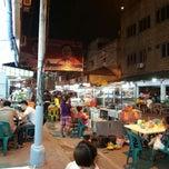 Photo taken at Semarang Food Center (Medan Chinatown) by Vendy L. on 2/20/2013
