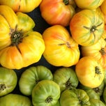 Photo taken at Downtown Berkeley Farmers Market by Ayaka N. on 8/10/2013
