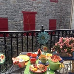 Photo taken at Tea On The Tiber by Miray A. on 4/19/2014