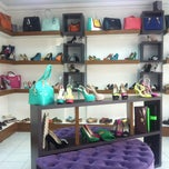 Photo taken at Ayliz Shoes & Bags by Erge Y. on 5/27/2013