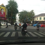 Photo taken at แยกจักรพรรดิพงษ์ (Chakkraphatdiphong Intersection) by Piraya C. on 11/27/2012