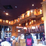 Photo taken at The Coffee Bean & Tea Leaf by Taejoon K. on 2/16/2013