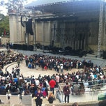 Photo taken at William Randolph Hearst Greek Theatre by Yunuén V. on 7/27/2013