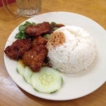 Photo taken at Palace Cafeteria by Fir€L¥nx on 1/7/2014