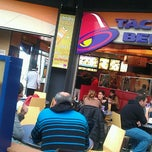 Photo taken at Taco Bell (C.C. Islazul) by Netambulo (Juanan) on 1/5/2013