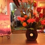 Photo taken at Gelvian Detalles con sabor by Inti Ayora on 4/1/2012
