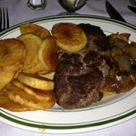 Photo taken at Frankie and Johnnie's Steakhouse by Lee H. on 8/28/2013