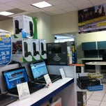 Photo taken at Tienda Telmex by Jhonathan M. on 8/2/2012