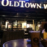 Photo taken at OldTown White Coffee by F. S. on 1/1/2013