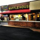 Photo taken at Waffle House by Jay C. on 7/22/2013